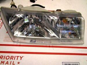 98-02 Mercury Grand Marquis Right Passenger Headlight Assembly # YW3Z-13008BB