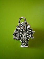 Brosche-  Anstecknadel - Pin - kleines silbernes Blumenkörbchen