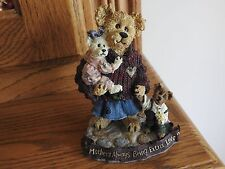Boyds Bears & Friends - Mother Macabeary with Krista and Cody..Style 227737