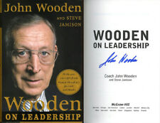 Coach John Wooden SIGNED AUTOGRAPHED Wooden on Leadership HC 1st Ed UCLA Pyramid