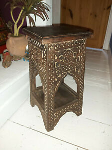 HAND CARVED SOLID MANGO WOOD TEMPLE/DISPLAY TABLE