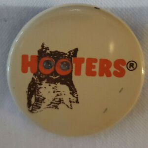 Hooters Owl Light up Eyes Vintage Pin Button Pinback