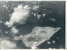 1988 F-16 Fighter Planes Fly Over Wake Island Pacific Press Photo