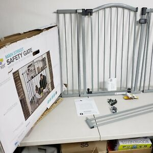 Summer Infant Main Street Extra Tall Safety Gate**DAMAGED BOX**