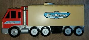 Micro Machines Carry Case Otto's Trucking Foldout Playset Galoob 1998 + 4 cars