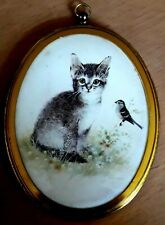 Attractive Small Brass Wall-Hanging Picture/Photo Frame Cat With Bird 13 X 9cms