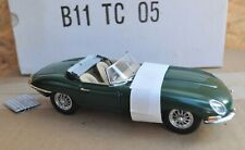 NEW BOXED DANBURY MINT 1: 24 1961 E TYPE JAGUAR ROADSTER MODEL CAR & CERTIFICATE