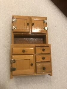 CONCORD DOLLHOUSE BEAUTIFUL NATURAL WOOD KITCHEN HUTCH #6032, IMPERFECT, READ!