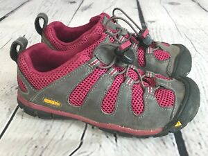 KEEN 1008757 Medomak CNX Leather Sneakers Hiking Shoes KIDS Size 11 / 29
