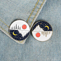 Unisex Kawaii IT/'S TOO PEOPLEY OUTSIDE Carved Brooch Pin Collar Badge Decor Mys