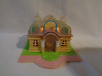 Vintage 1994 Bluebird Polly Pocket Light-up Polly's Boutique - as is