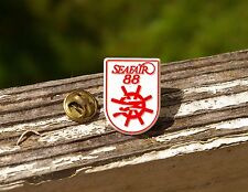 Seafair 88 White & Red Plastic 1988 Lapel Pin Pinback