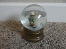 1989 San Francisco Music Box Company Rabbitt Ice Skating Snow Globe Music Box