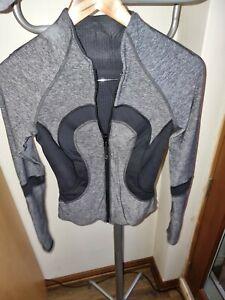 Lululemon Jacket Size 2 canada /6 au euc & reversible