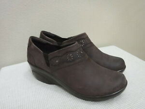 Women's CLARKS COLLECTION 11 42.5 Brown Leather Cutout Slip On Wedge Heel Clogs