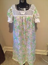 CHARACTER Flower Floral Victorian Neiman Marcus Granny Long Night Gown M Medium