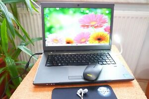 DELL Vostro 3560 15 Zoll FHD l Core i7 I 8GB RAM l AKKU NEU l SSD l Windows 10