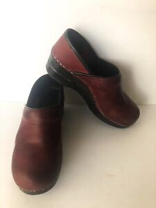Dansko Professional Clogs Slip On Burgundy Leather Mules Woman's Sz 36 US 5.5-6