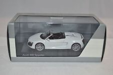 Schuco Audi R8 Spider 1:43 weib white blanc mint in box superb