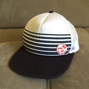 VANS Off The Wall Snapback Mesh Foam Trucker Baseball Cap Hat Black & White