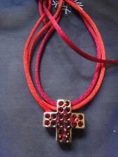 Pierre Lang Stoff-Ketten mit Kreuz Anhänger Silber und roten Steinchen -Neu !!!