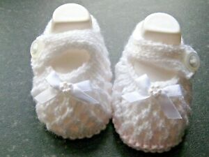 CUTE PAIR HAND KNITTED BABY SHOES in PINK/WHITE WITH WHITE BOW size NEW BORN (4)
