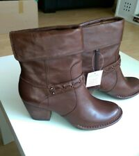 NEW CLARKS MELISSA HOLLY BROWN LEATHER BOOTS UK SIZE 5D