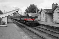 PHOTO  1987 CIE 071 CLASS LOCO AT MOATE STATION A CIE 071 CLASS LOCOMOTIVE HEADS