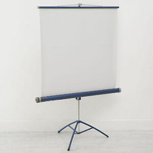 SPECTRA SLIDE CINE FILM PROJECTION SCREEN ON TRIPOD COLLAPSIBLE FOR EASY STORAGE