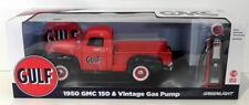 Greenlight Models 1/18 Scale 12984 - 1950 GMC & Gulf Gas Pump - Red/Black