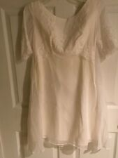 Beautiful vintage wedding dress by The Brides Room size extra small