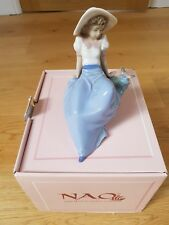 NAO by Lladro Figurine #1042 Pretty Girl Sitting With A Bird