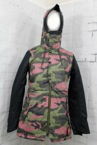 686 Women's Cascade Shell Snowboard Jacket Small, Crushed Berry Camo New 2020