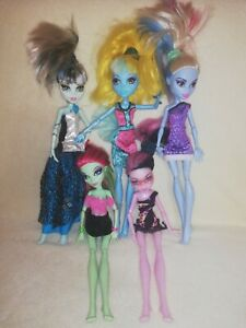 Monster High Bulk - Mini Add On Bundle.  CLEAN BUT SAD LOOKING GHOULS IN NEED!
