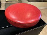 1960s Ludwig Red Drum throne pad no base Minty