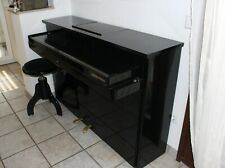 Manthey Klaviano schwarz Hochglanz   inkl. Klavierstuhl