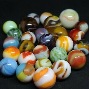 GROUP OF 27 VINTAGE MACHINE MADE MARBLES ALLEY AKRO PELTIER SLAG CAC  SWIRL LOT