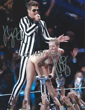 HAND SIGNED ROBIN THICKE & MILEY CYRUS PHOTO WITH COA - AUTOGRAPHED 8X10 PHOTO