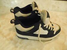 "Child's size 5 ""Heeleys"" shoe skates, Nice"