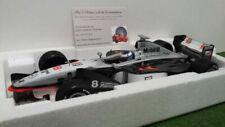 Voitures miniatures noires de Mercedes, 1:18