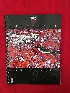 1997-1998 NBA Chicago Bulls preseason media guide / Jordan / Pippen / Last Dance