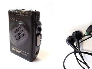 Vintage 1990s SONY WALKMAN WM-FX36  FM/AM + Sony earplugs Mega Bass Auto reverse