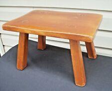 Vintage CUSHMAN Colonial Furniture Wood Foot Stool Cricket #9038 w/ Badge
