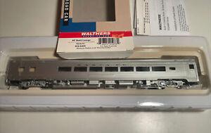 Walthers 63' Budd Lounge Santa Fe 932-6425 HO Scale