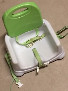 Fisher Price Healthy Care  BOOSTER SEAT Folding Portable BABY Green White