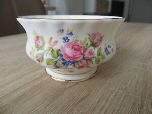 ROYAL ALBERT MOSS ROSE Zuckerdose Zuckerschale Porzellan