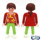Playmobil CityLife Figura: mujer en roja parte superior verde pantalón blanco