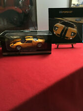 FORD GT 1:18 SCALE BY BEANSTALK & 2005 BROCHURE WITH SPEED YELLOW GT COVER CAR