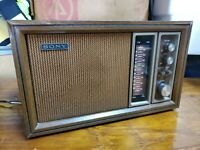 Vintage Sony TFM-9450W 11 Transistor 2 Band Radio Walnut Wood Grained Case