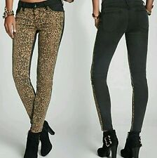 NWT GUESS Brittney Mid-Rise Leopard-Blocked Denim Leggings jeans SIZE 24